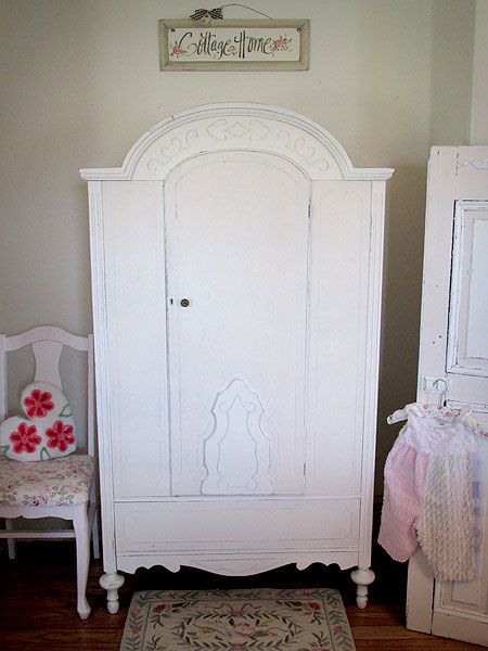 Attirant Vtg Child Armoire/Chifforobe For Hanging Clothes And Accessories.