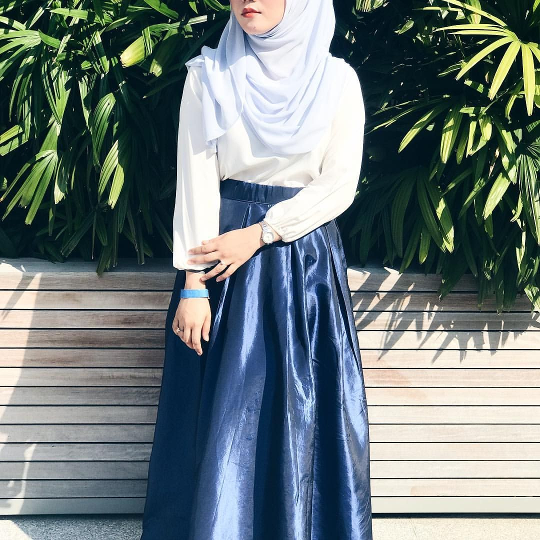 "236 Likes, 1 Comments - Nur Khairunnisa (@uhnisa) on Instagram: ""Thank you @modestyle.asia for having me and I'm beyond delighted to be able to meet my favourite…"""