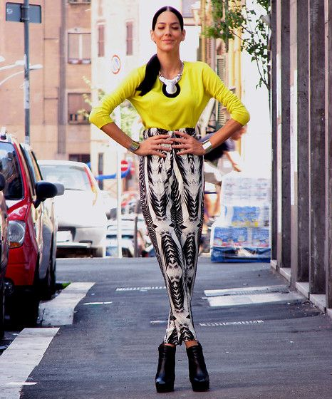Konstantina Tzagaraki - Zara Neon Blouse, H&M Balck & White High Weisted Pants - This is a test! If you see Yellow, press button on the left!