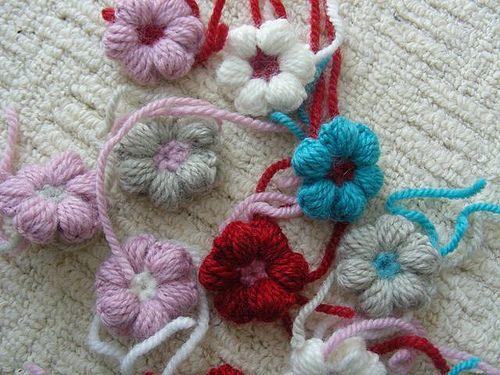 Mollie flowers, free pattern by Brigette Read  #crochet #applique