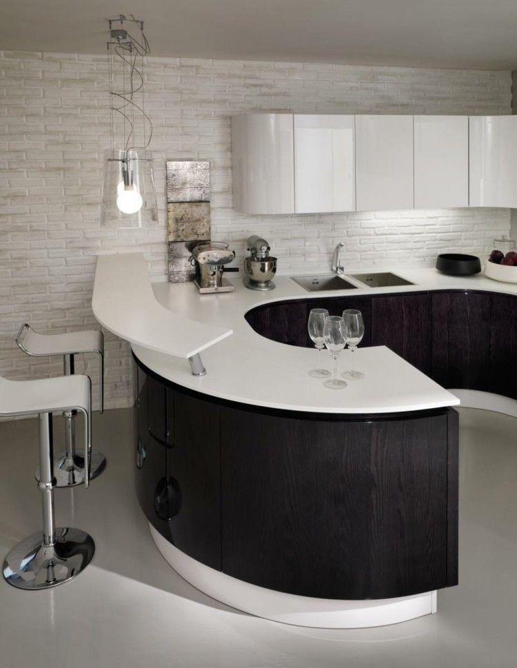 eine moderne theke wird durch die gebogene insel erreicht. Black Bedroom Furniture Sets. Home Design Ideas