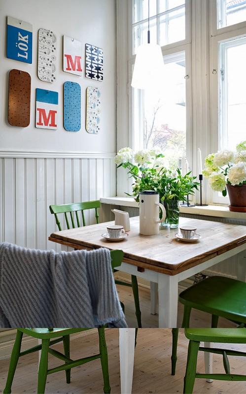 Mesa combinada blanca y madera y sillas verde. Me encanta lo fresco ...