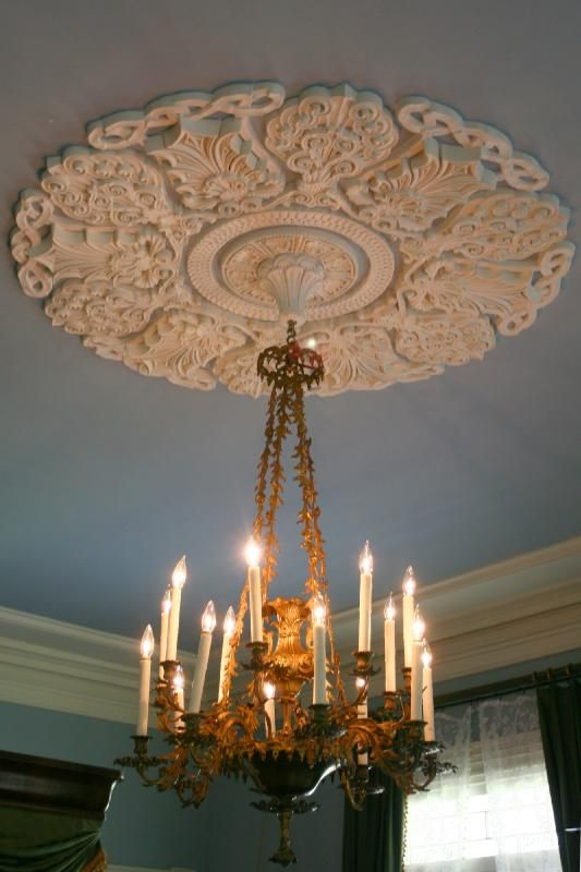 I Really Like The Ceiling Medialion Beautiful Chandelier Light Fixtures Ceiling Lights