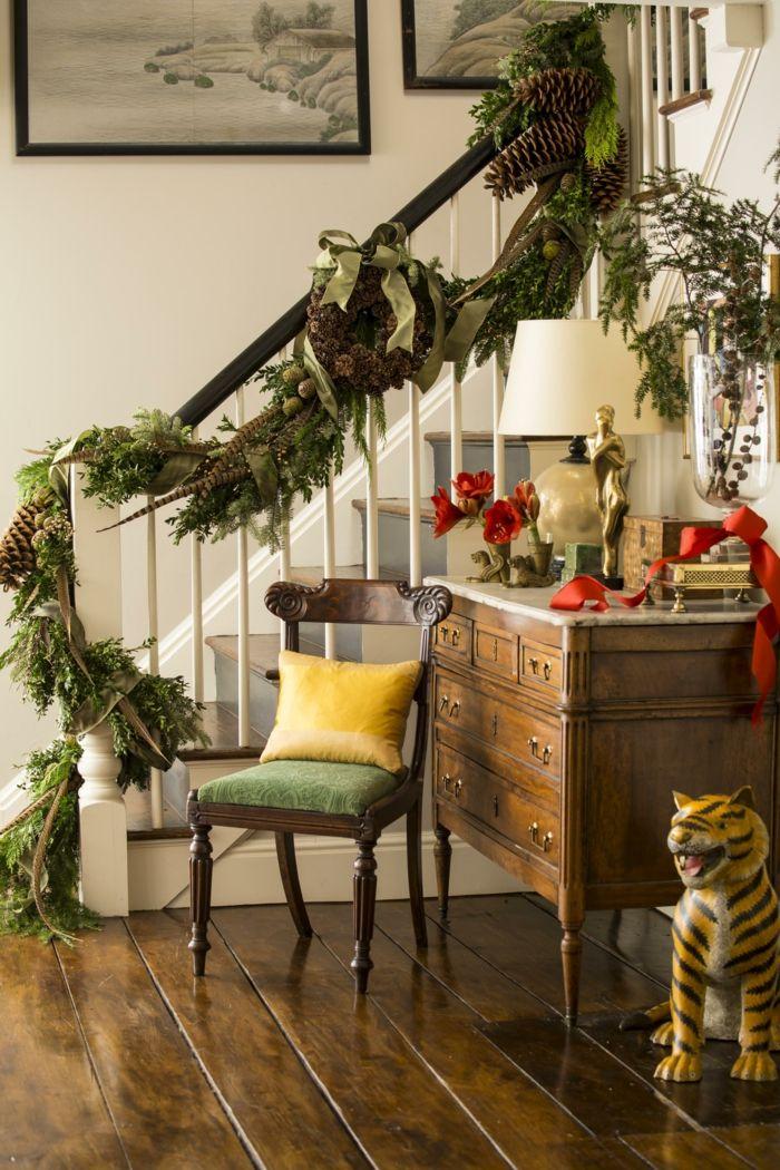 treppenhaus ideen dekoration zu weihnachten zu fr hliche stimmung weihnachtskranz einzigartige. Black Bedroom Furniture Sets. Home Design Ideas