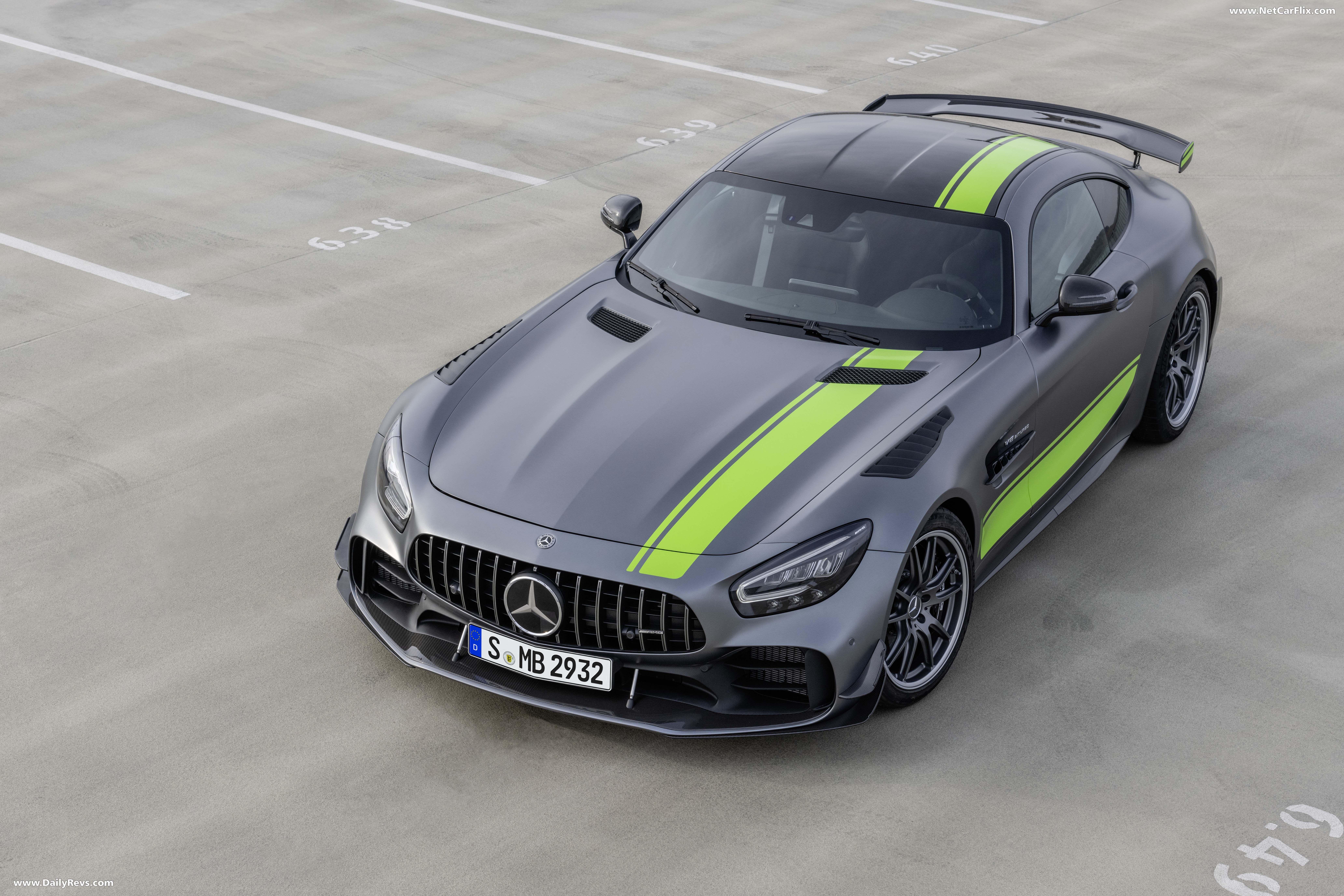 2020 Mercedes Benz Amg Gt R Pro Dailyrevs Com In 2020 Mercedes Amg Gt R Mercedes Amg Mercedes Benz Amg