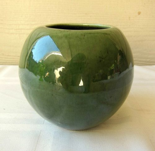 Vintage Haeger Pottery Round Vase Planter Glossy Green Glaze Made In Usa Early Ebay With Images Round Vase Vintage Pottery Pottery