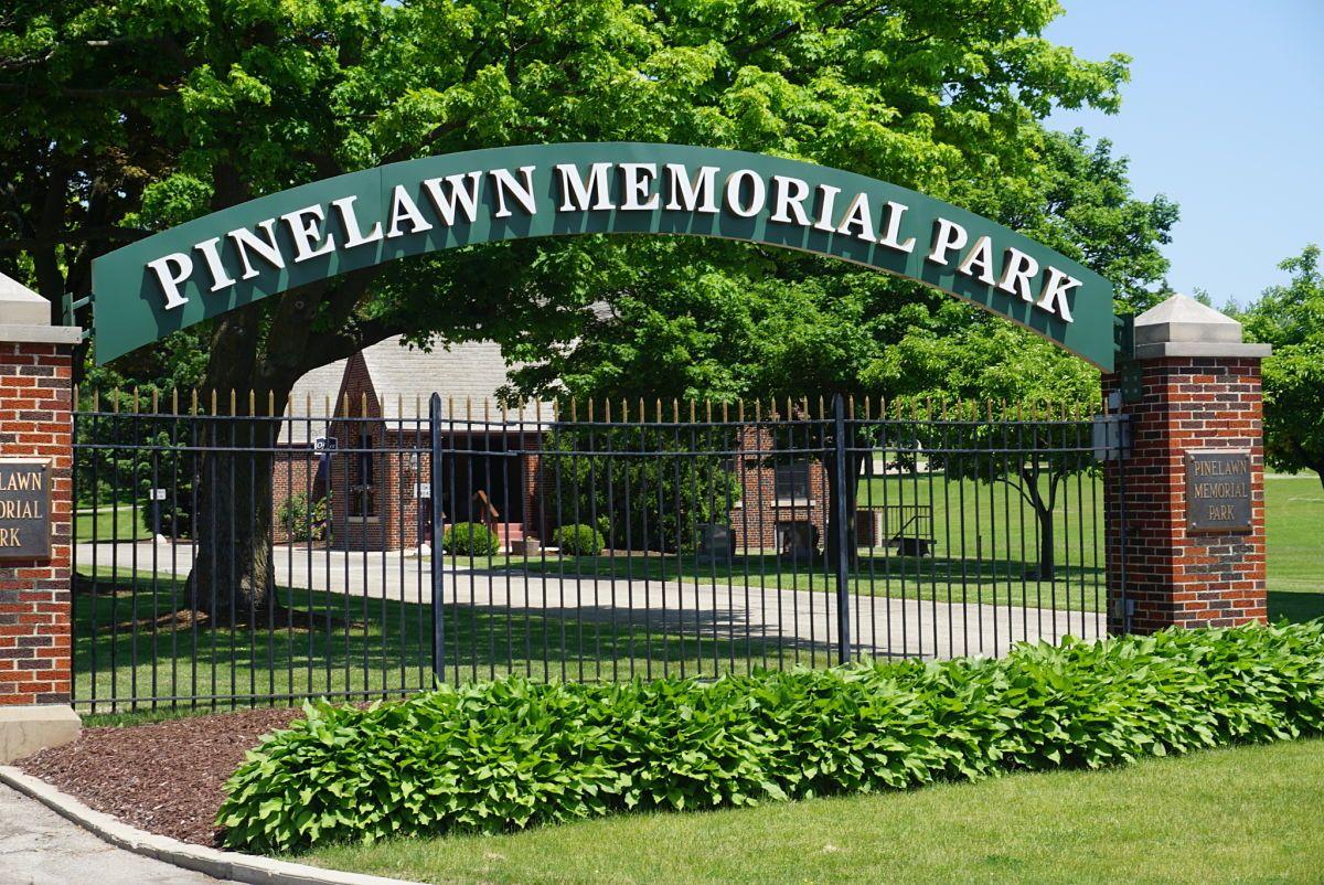 03a5faacdb6c3729fe20ca49f01e107e - Chapel Hill Gardens South Oak Lawn Il