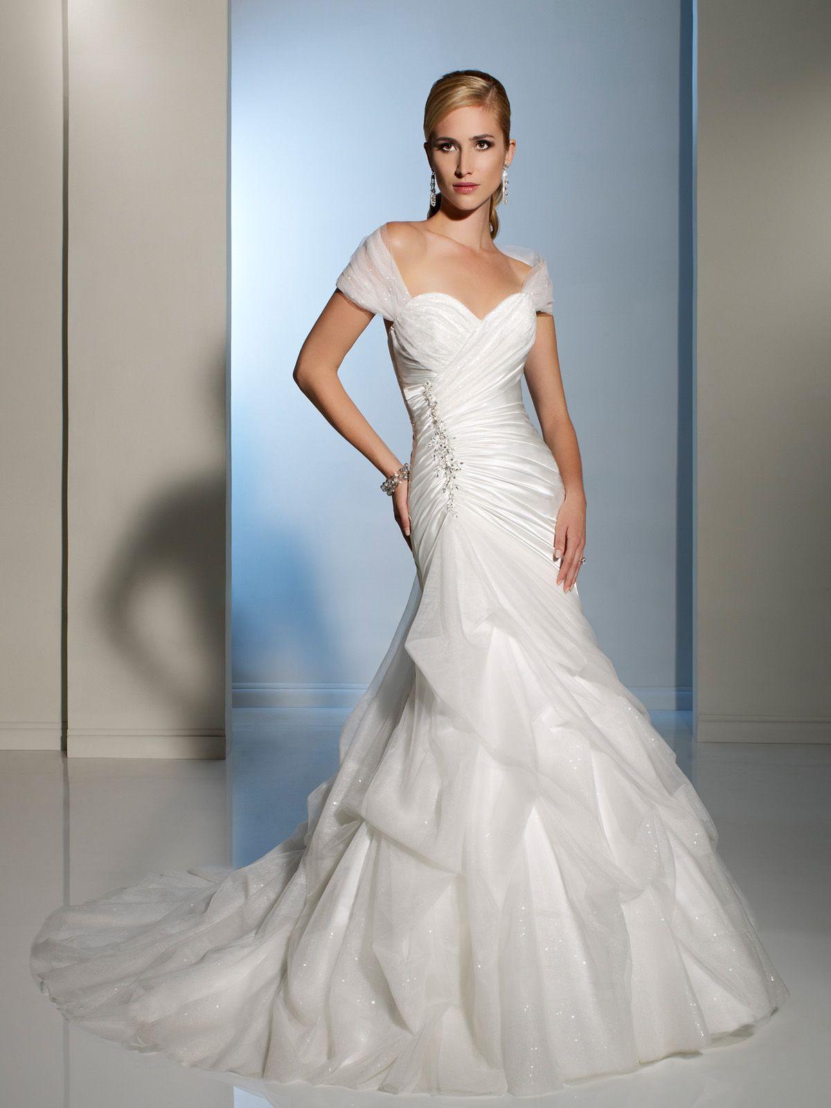 Beautifully designed aline wedding dress with detachable