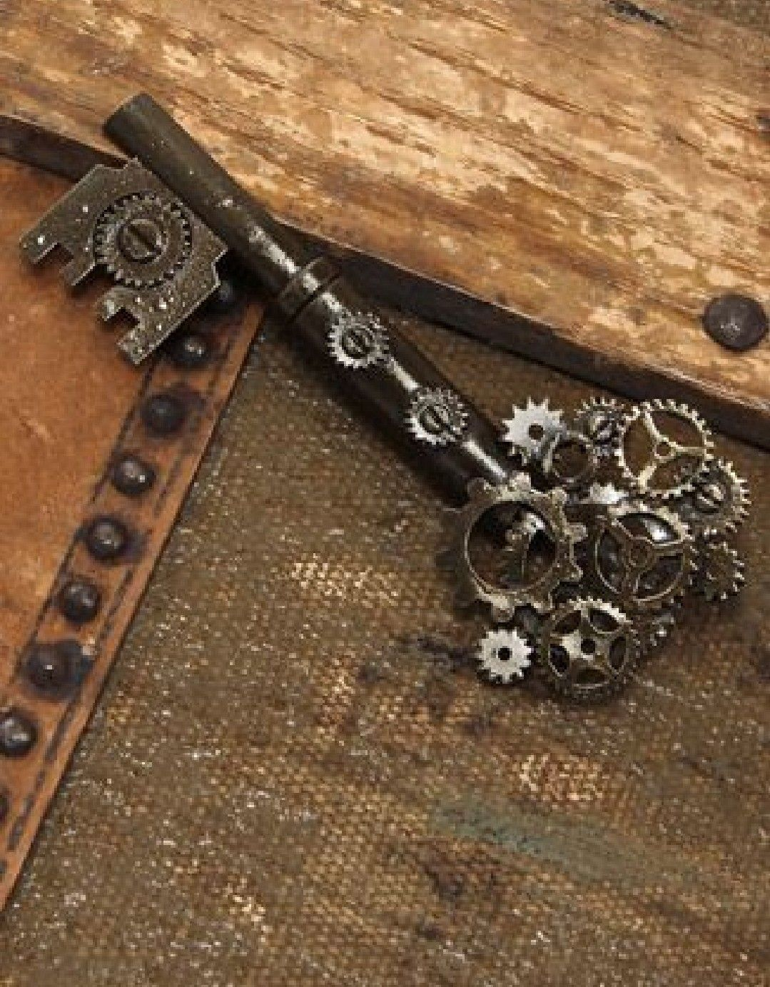 Blade bow antique keys key jewelry vintage keys