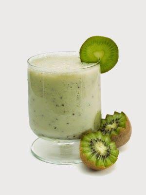 batido de kiwi y leche de almendras