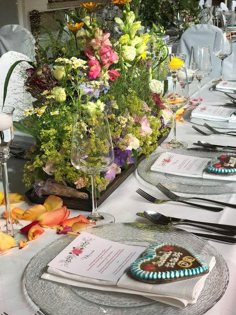 Tischdeko Blumenwiese Bunte Sommerblumen Hochzeit Am See Und In Den