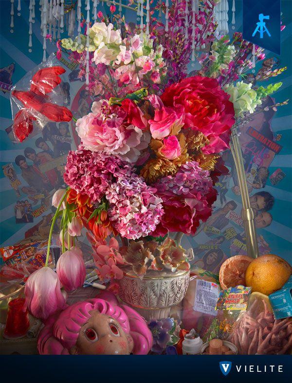 """""""Flowers & Mushrooms"""" es la actual exposición de David Lachapelle presentada en Austria, ¡No te pierdas las mejores piezas artísticas, sólo en #VIELITE!"""