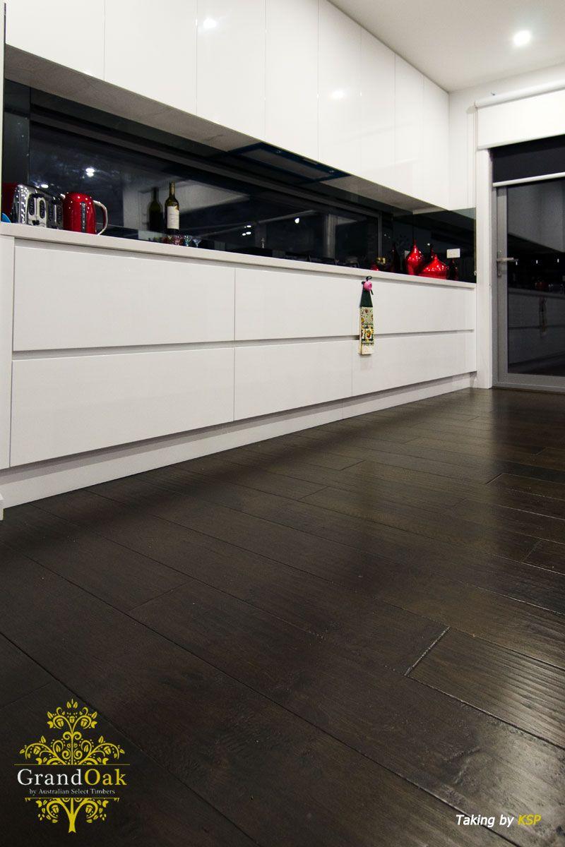 Grand Oak Timber Flooring: Burnt Oak Kitchen