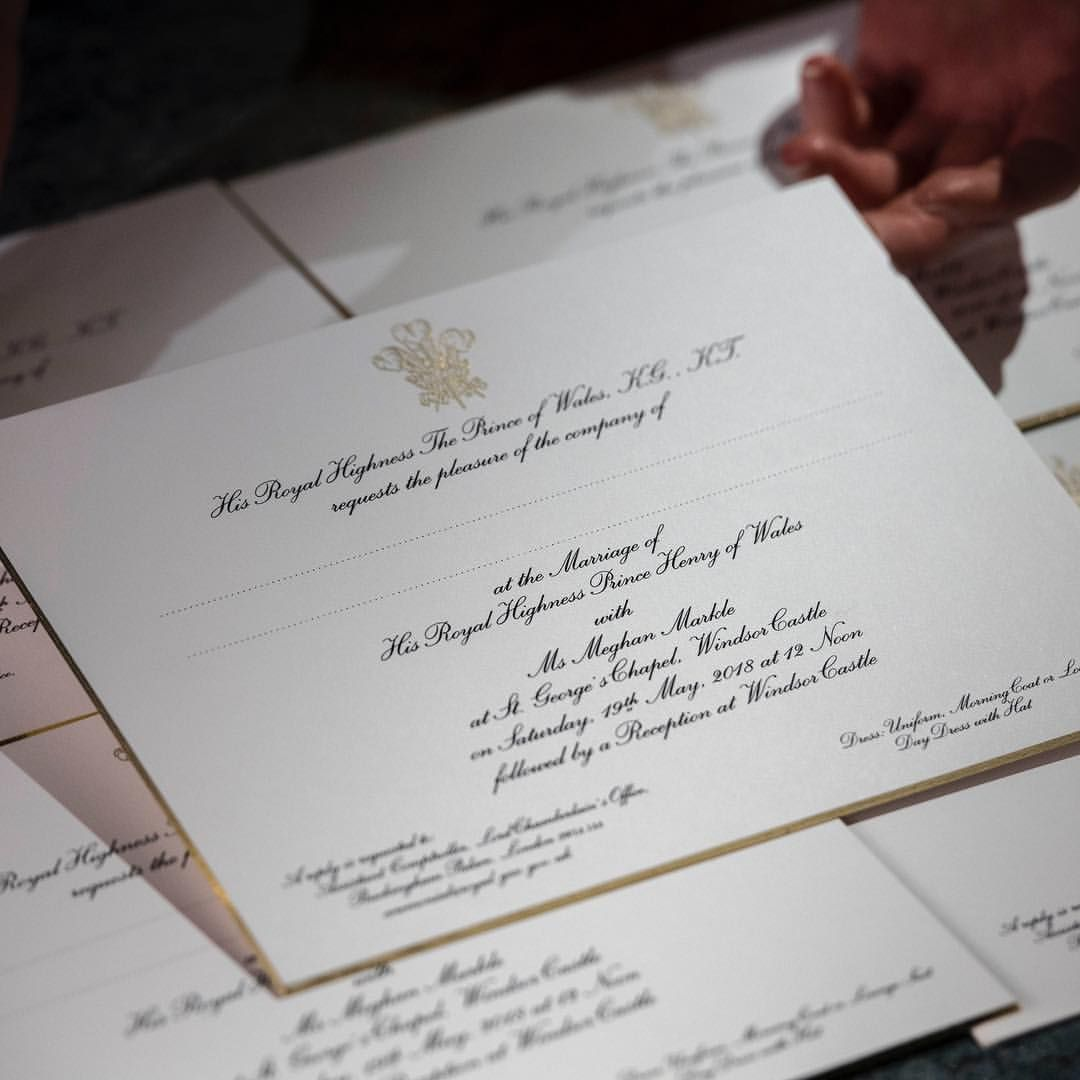 Invitations To The Wedding Of Prince Harry And Ms Meghan Markle Which Will Take Place At Windsor Castle On May 19 Ha Mit Bildern Prinz Harry Hochzeit Hering Einladungen