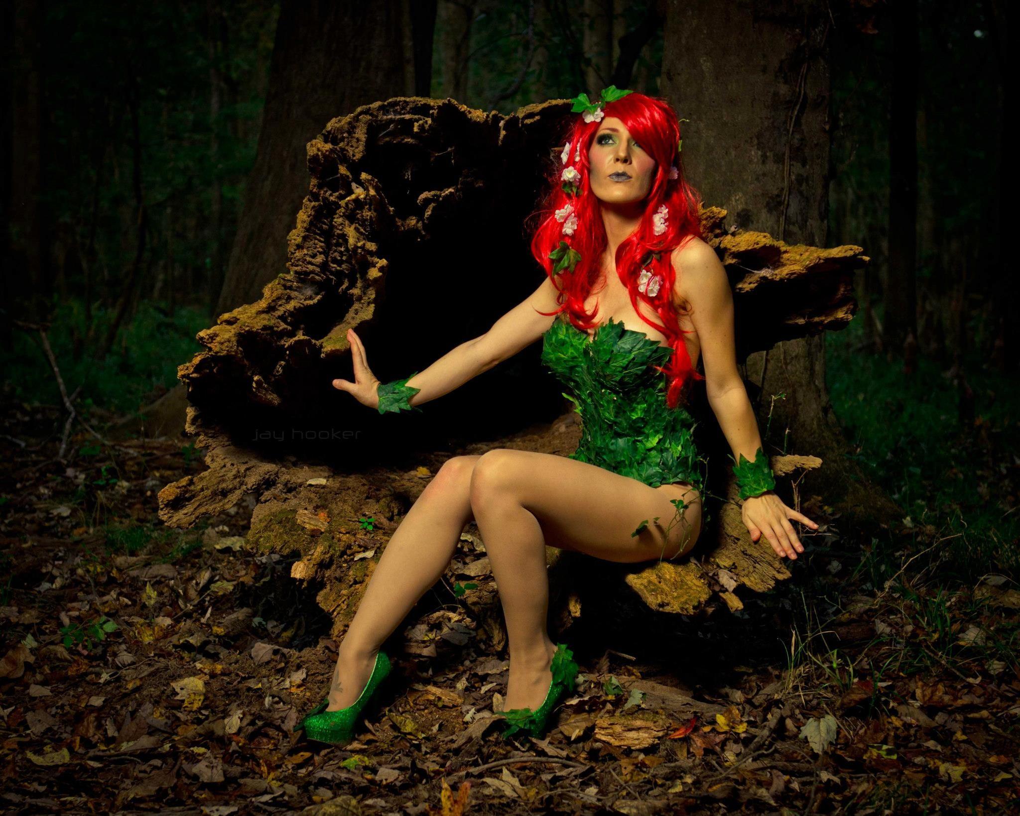 Poison ivy cosplay au