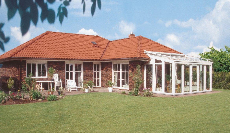 danhaus fehmarn winkelbungalow terrassenansicht mit wintergarten h user pinterest danhaus. Black Bedroom Furniture Sets. Home Design Ideas