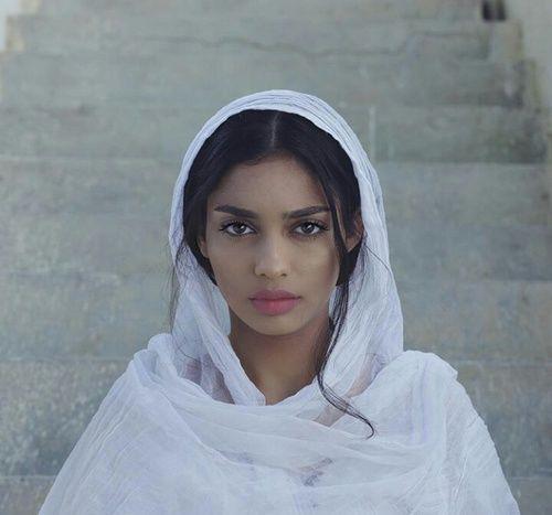 Ladies middle eastern Middle Eastern