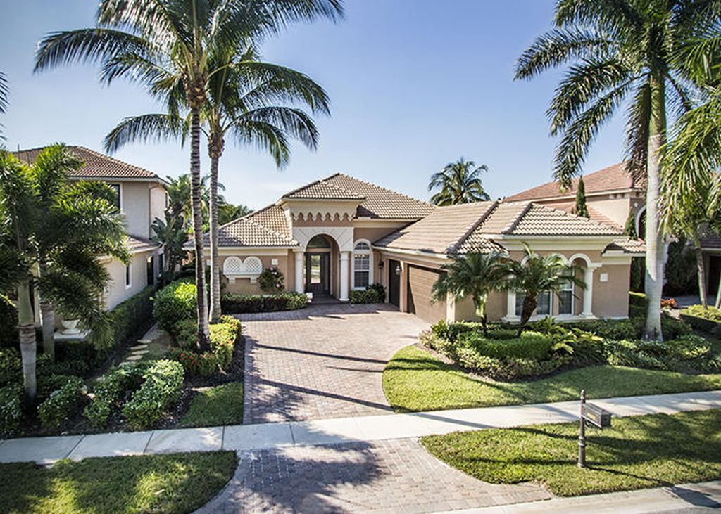 West Palm Beach Homes For Sale West Palm Beach Homes Information Mansions Waterfront Homes Florida Mansion