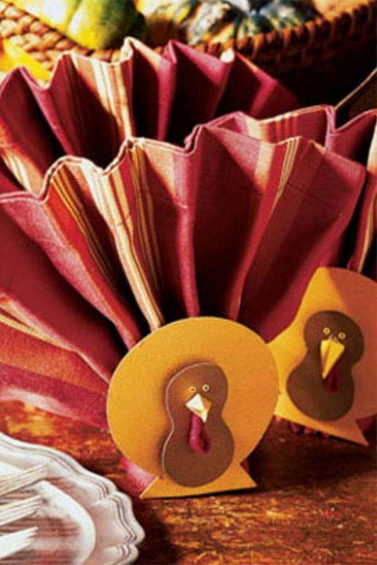 48 Easy Thanksgiving Crafts That You Can Use as Decorations #thanksgivingcraftsforkids