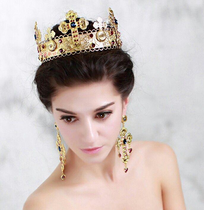 фото с короной на голове того такие изделия