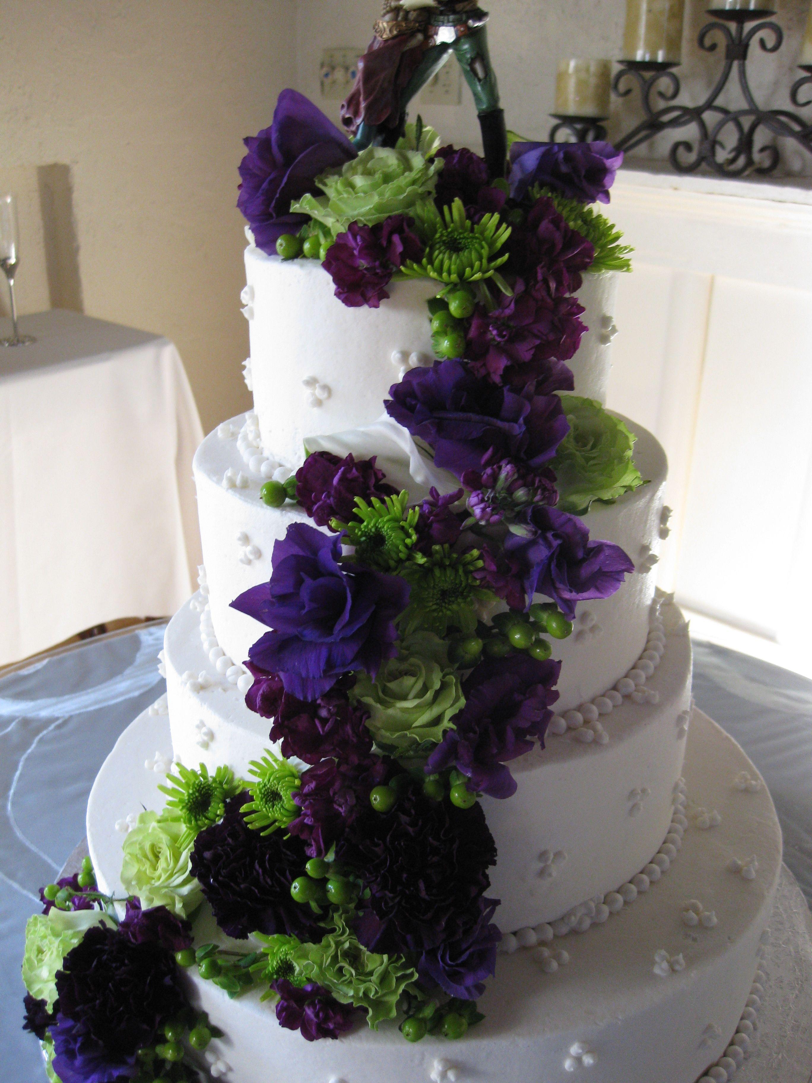 Purple And Green Flowers Wedding Cake Purple Wedding Cakes