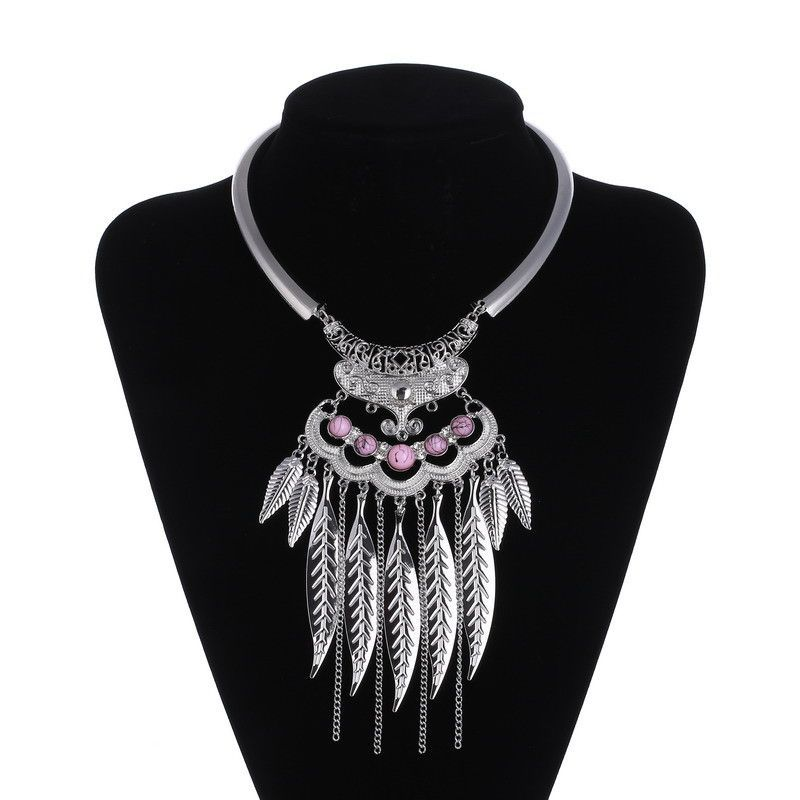 Elegant Ladies Leaf Choker Pendant Necklaces Assorted Colors