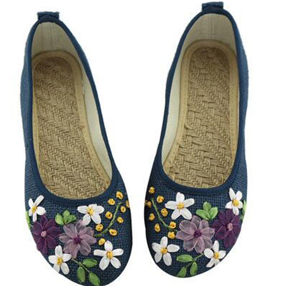 8dc7cf639283 2016 New Women Flower Flats Slip On Cotton Fabric Casual Shoes Comfortable  Round Toe Student Flat Shoes Woman Plus Size