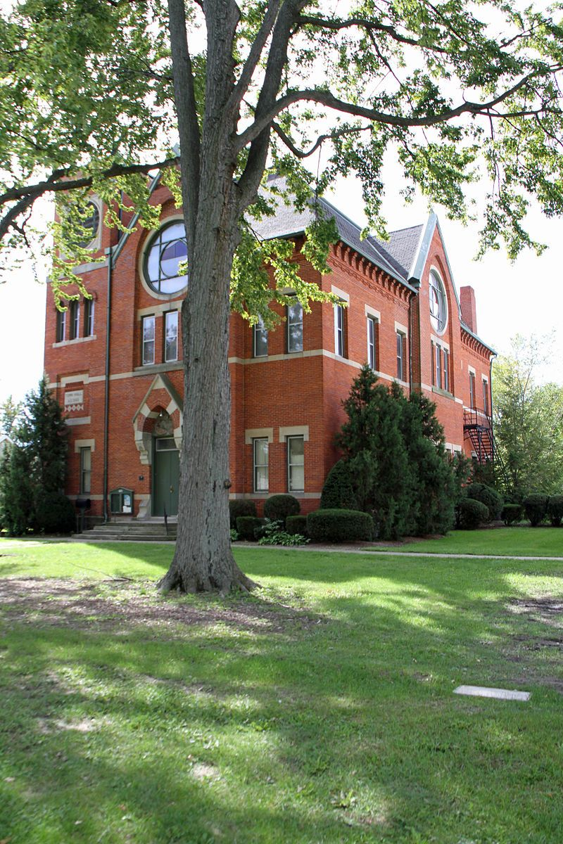 Ohio erie county vermilion - Vermilion Town Hall In Erie County Ohio