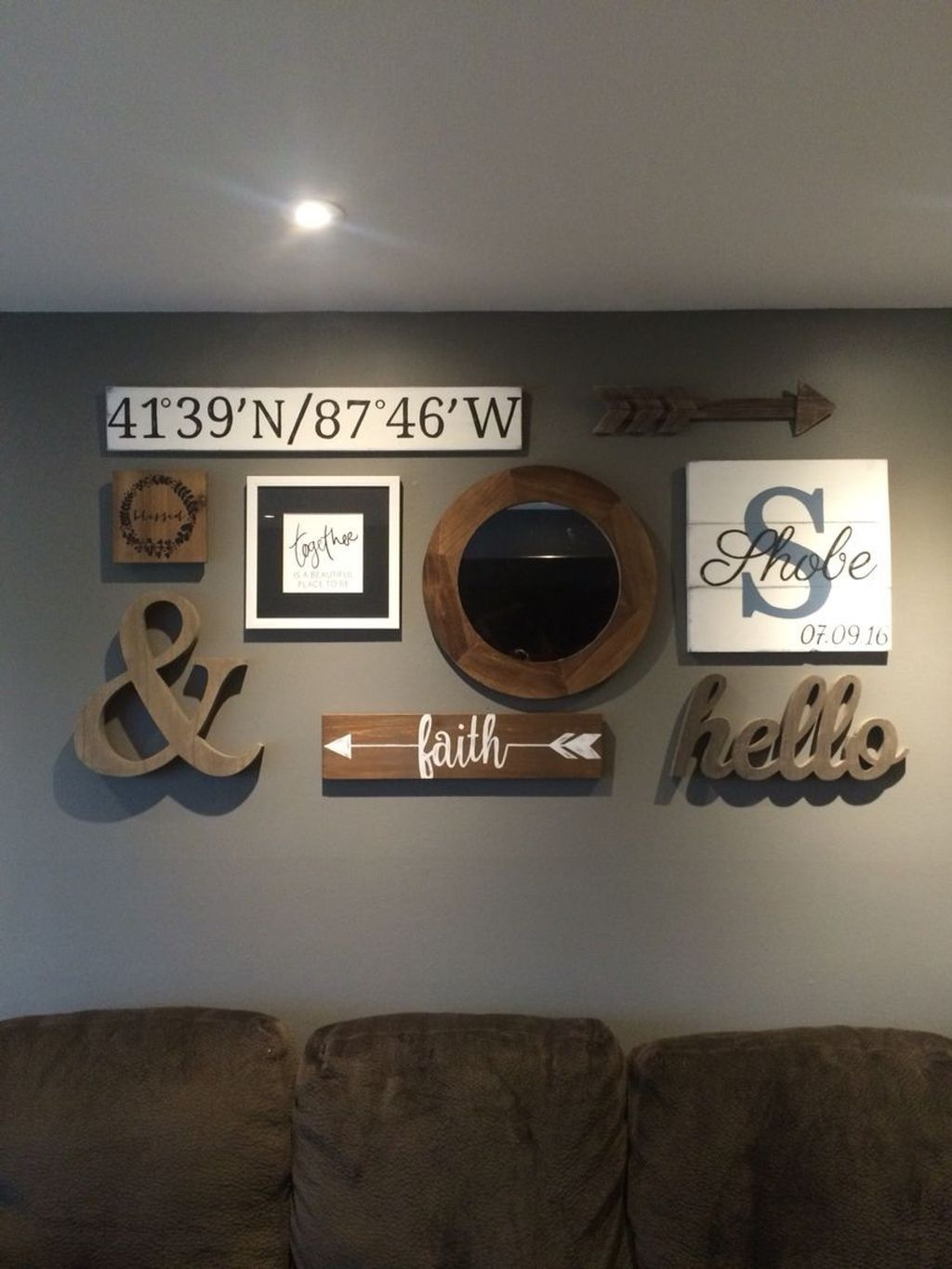 beautiful gallery wall decor ideas to show photos living room