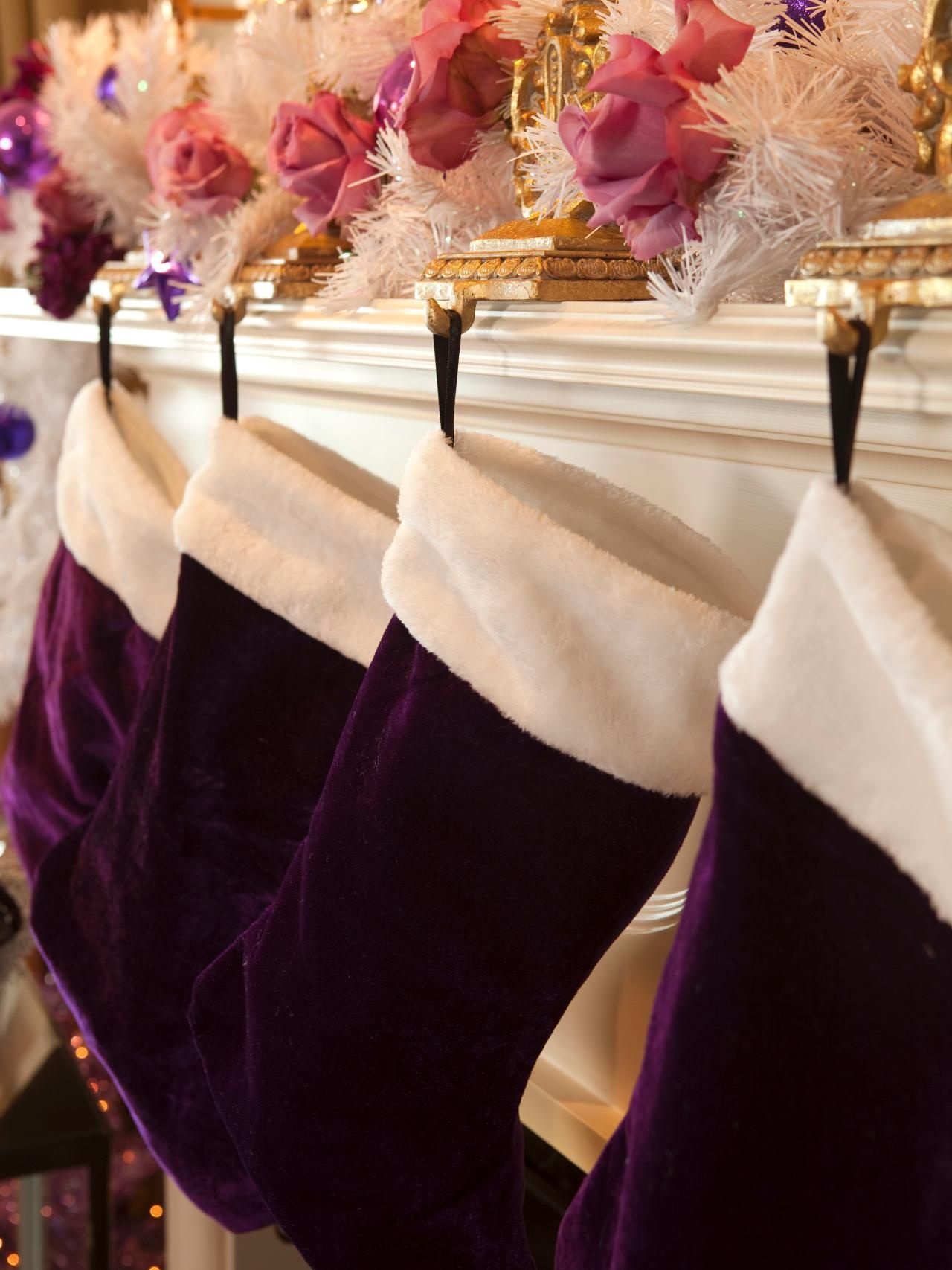 Retro-Inspired Purple and White Christmas Decorations | DIY Craft Projects | DIY