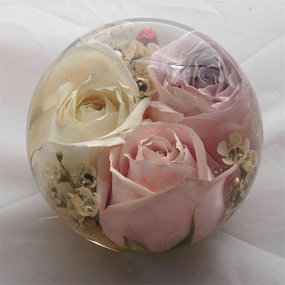Omg genius idea to preserve your wedding bouquet - paperweight ...