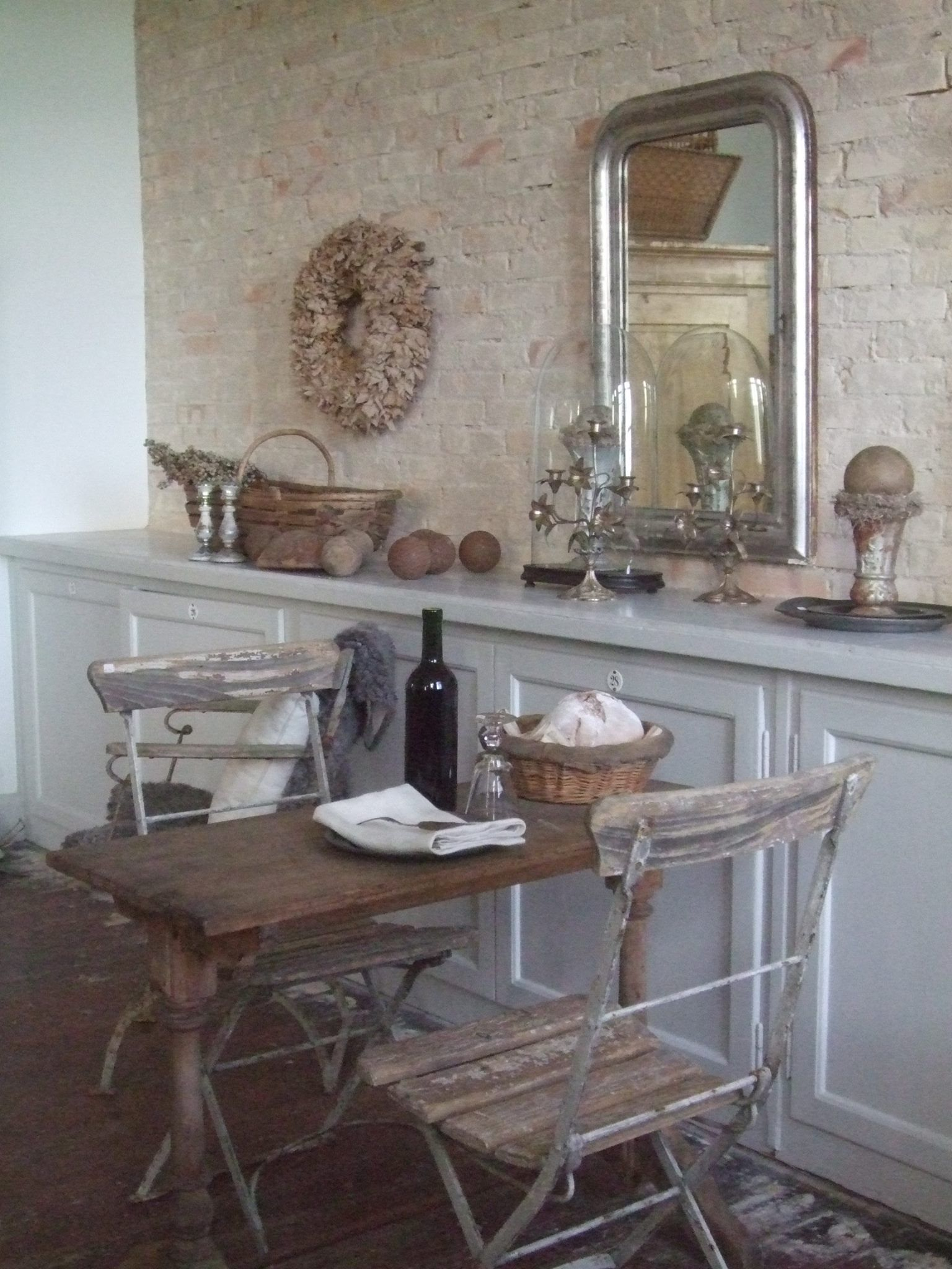Butik Sophie Dk Via Facebook French Vintage Decor White Distressed Furniture Kitchen Decor