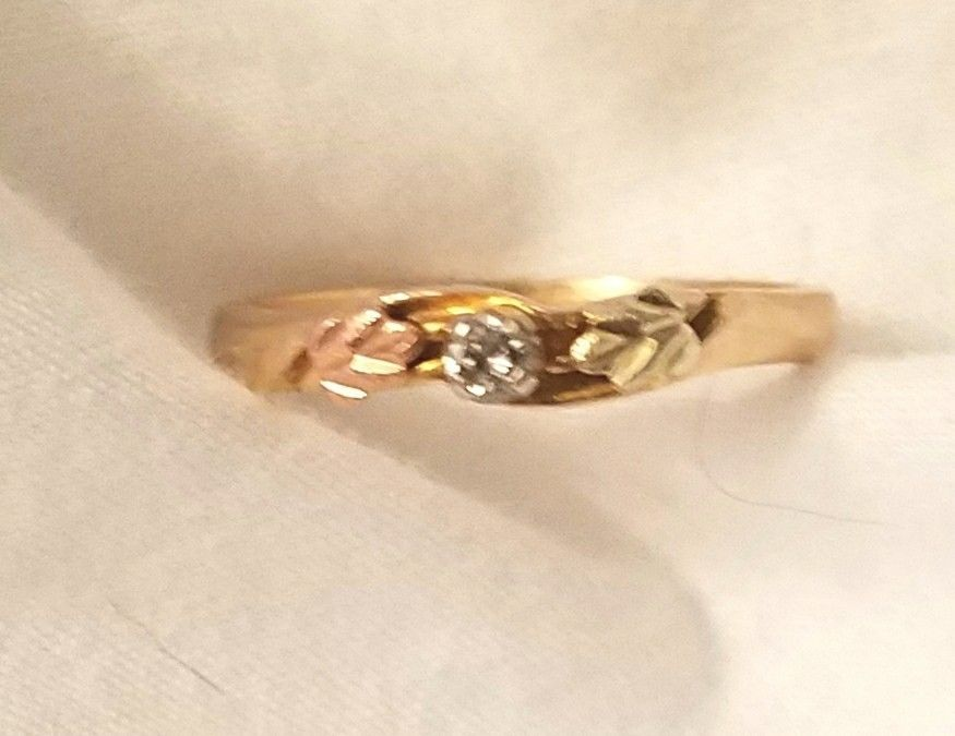 3 Hour Black Friday Sale 10k Black Hills Gold Ring Diamond Sz 6 Withdiamondsgemstones Black Hills Gold Rings Black Hills Gold Rings