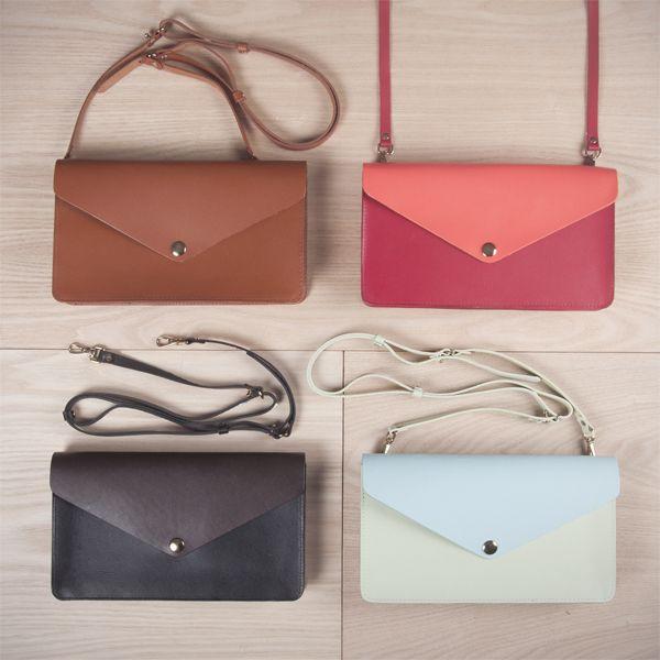 Envelope bags by Veja. #clutch #handbag