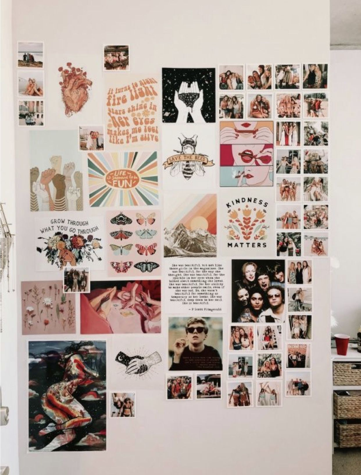 15 Diy Photo Collage Ideas For Your Dorm Or Bedroom Gurl Com Photo Collage Diy Tumblr Rooms Bedroom Diy