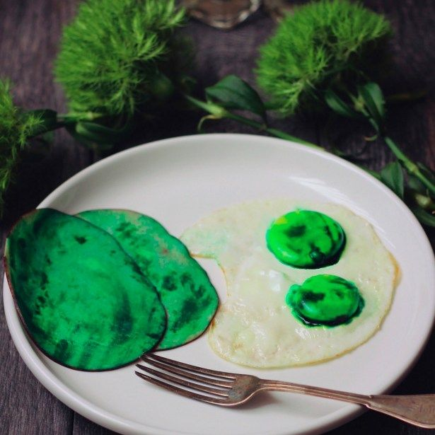 Dr. Seuss: Green Eggs and Ham #greeneggsandhamrecipe
