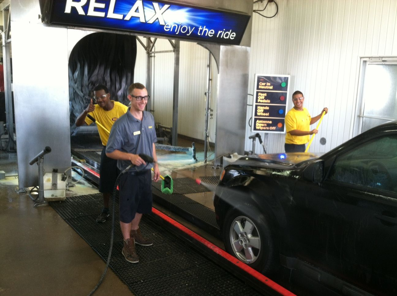 Just another saturday at good ol mister car wash indiana ave just another saturday at good ol mister car wash indiana ave lubbock texas next time you come by say hello to dustin grey shirt trey thumbs solutioingenieria Gallery