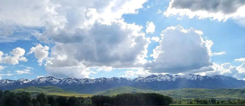 Spring sky before sunset in Morgan Utah [OC] [841x366]