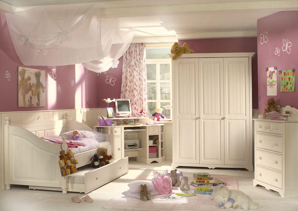 Cinderella Genç Odası beyaz su bazlı boya ile renklendirilmiş, ladin