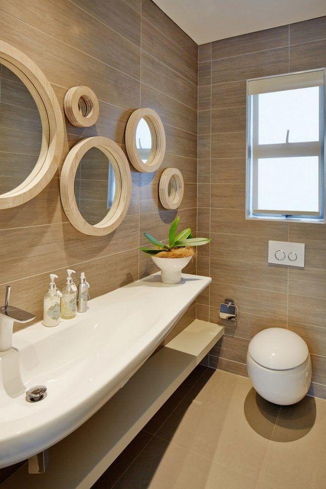 Fliesen in Holzoptik wand-runde-wandspiegel-holzrahmen badezimmer