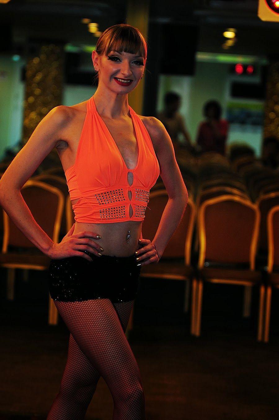 몸저생사 구글블로그: 아라뱃길 선상쇼 러시아 댄서 싸이 강남스타일 말춤 공연사진