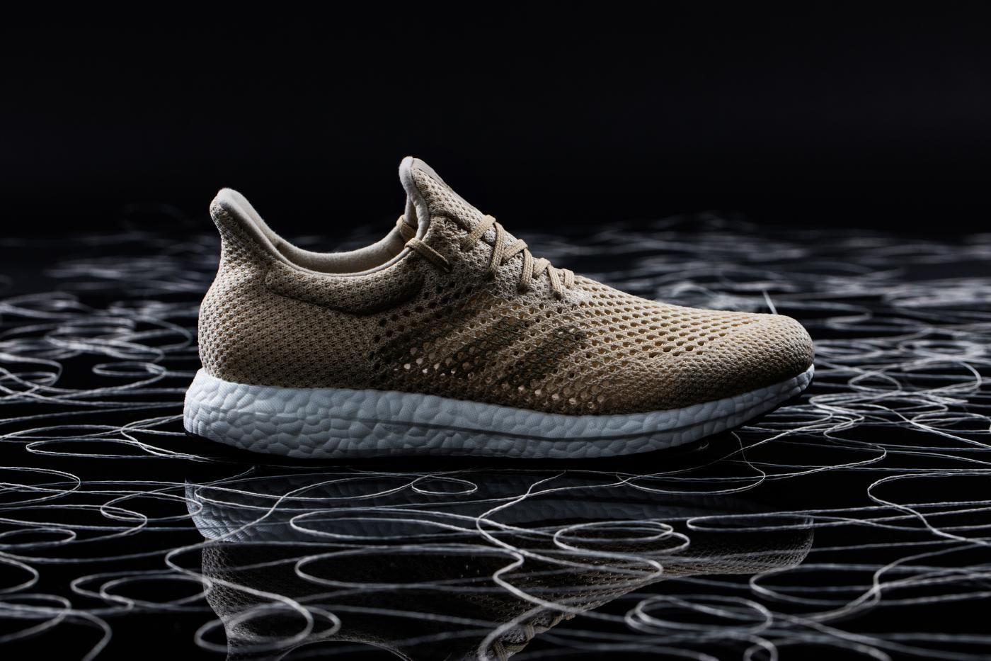 adidas mostra prima esibizione scarpa da biosteel fibra