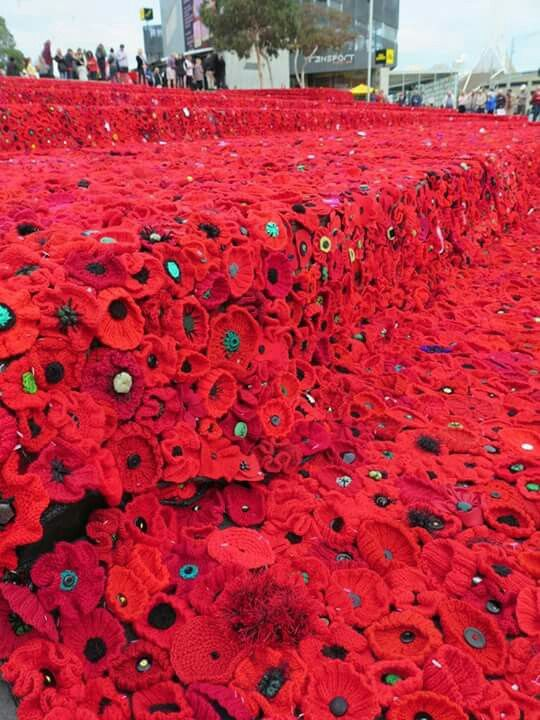 Australia day crochet and knitted poppies.✴✴ | Deramores | Pinterest