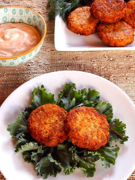 Seared Salmon Cakes - Spicy, delicious salmon cake recipe with herbs, Greek yogurt and sriracha by Tori Avey.