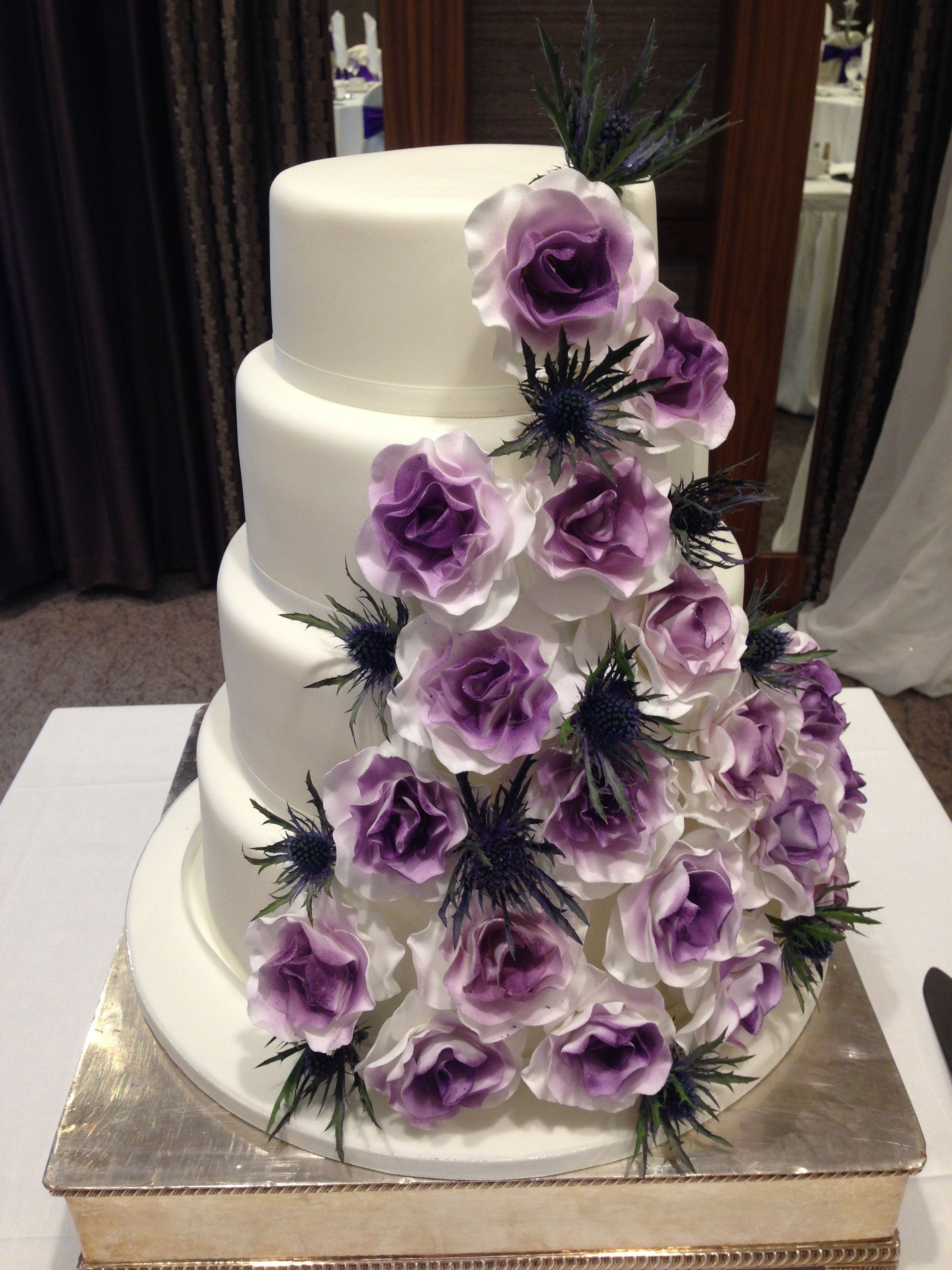 Fourtier plain white fondant with thistles and violet