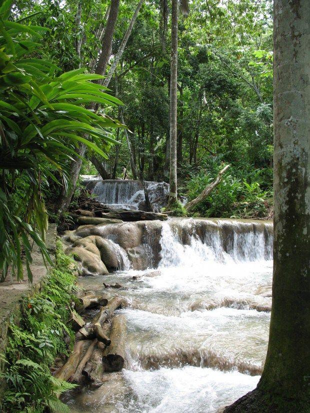 Montego Bay to Ocho Rios. Climb Dunn's River Falls! Backroad Planet | Retro #Roadtrip: #Jamaica 's Dunn's River Falls | http://backroadplanet.com #travel