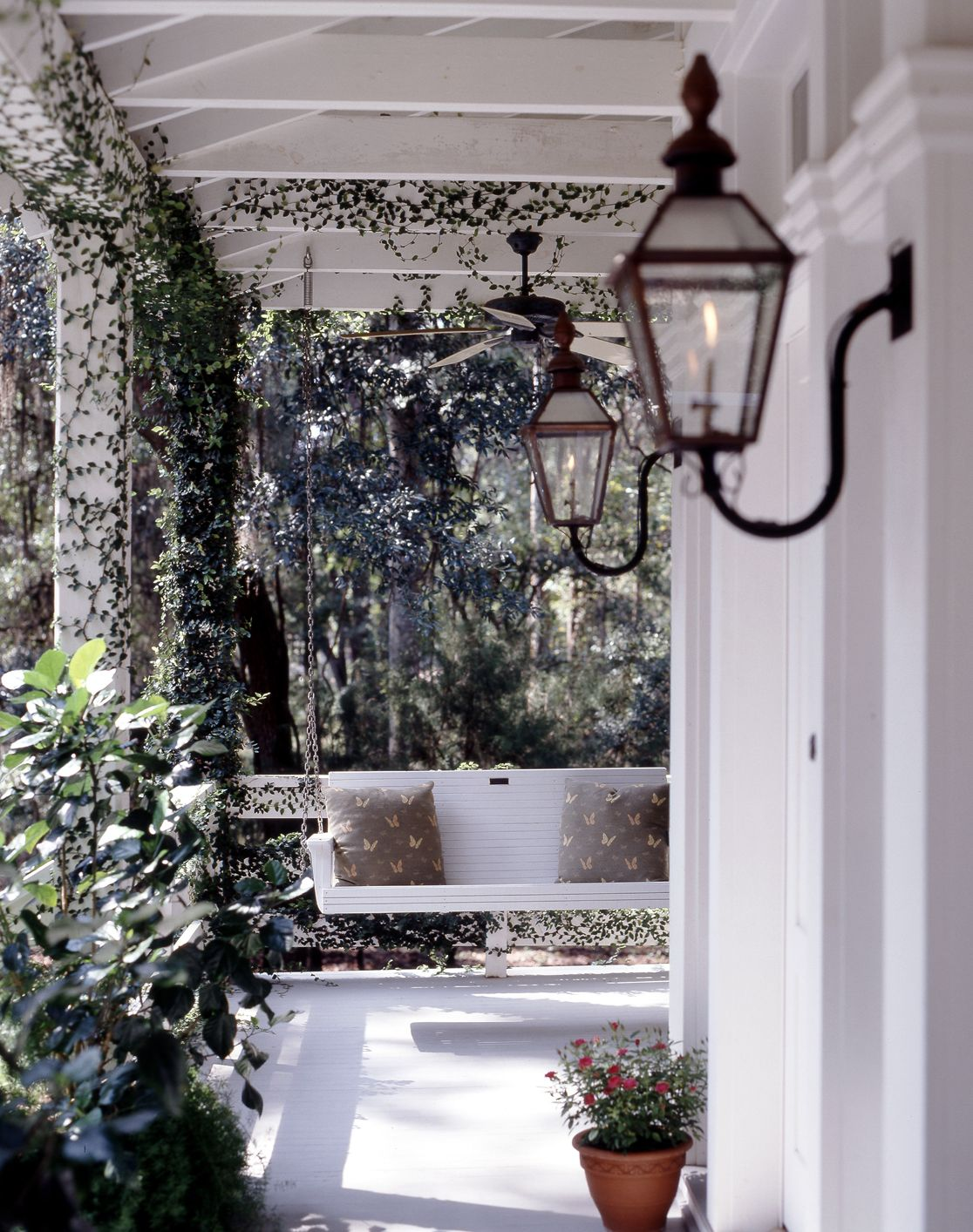 A Traditional Front Porch With Antique Gas Light And Porch Swing Www Historicalconcepts Com Porch Lighting Traditional Porch Gas Lanterns
