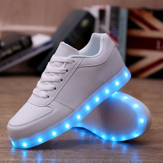 18dae9dd1eb Mujeres tenis llevó enciende para arriba Los Amantes de Los zapatos de los  tenis com llevó la luz up caliente para adultos zapatos caliente con luces  para ...