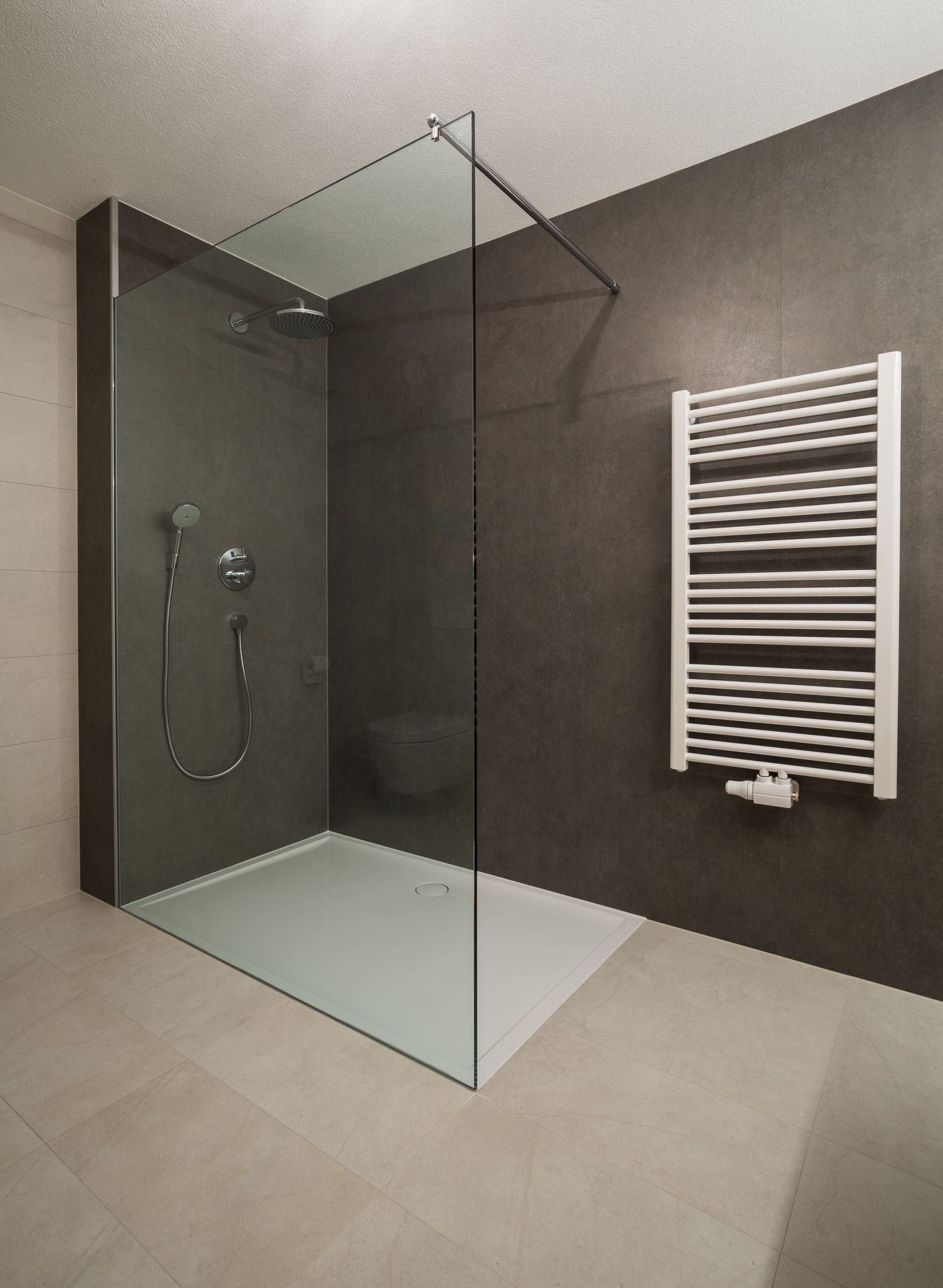 Grossformate Fliese Design Fliesenbau Dusche Badezimmer Design Badezimmerideen Badezimmer