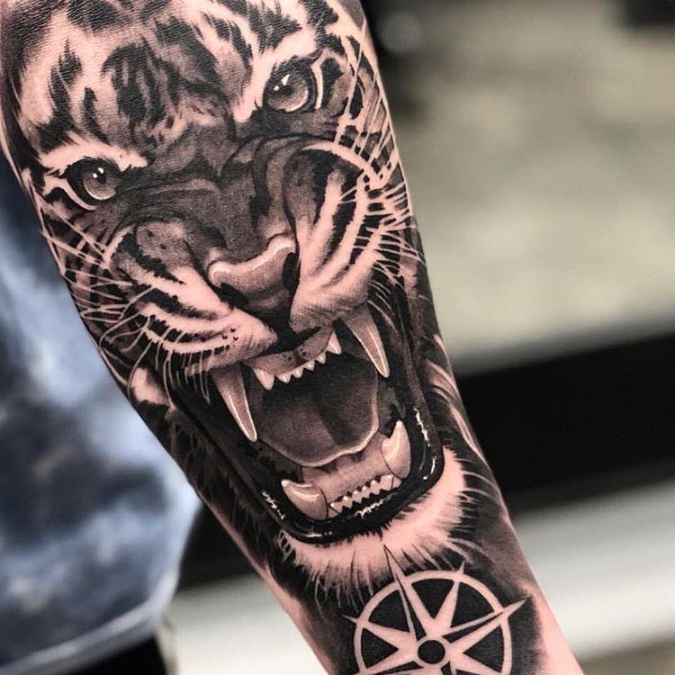 Amazing Tattoo By Yz Asencio Artlocation Ukfollow Realistic Ink For More Amazing Realistic Tattoo Tiger Tattoo Sleeve Tiger Forearm Tattoo Tiger Head Tattoo
